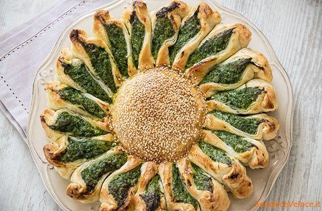 Torta+fiore+con+ricotta+e+spinaci