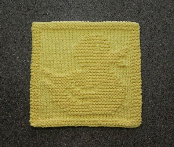 Duck Knitting Pattern : 1000+ images about Baby Wash Cloths on Pinterest Unique, Rubber duck and Cl...