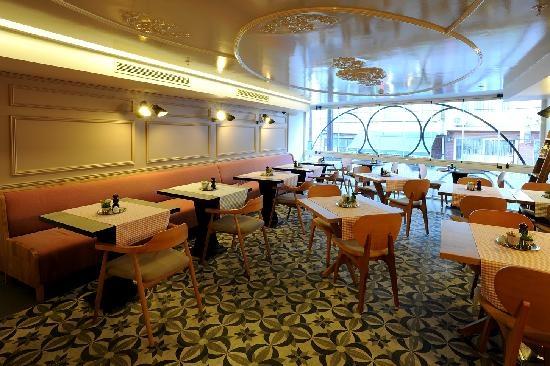 Upper floor of Cafe Mese
