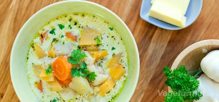 Vegetarmat Kremet grønnsaksuppe oppskrift.