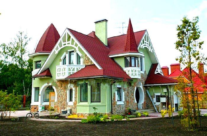 Casă de viscu accente arhitecturale moderne, ideală pentru o familie cu 3 membri