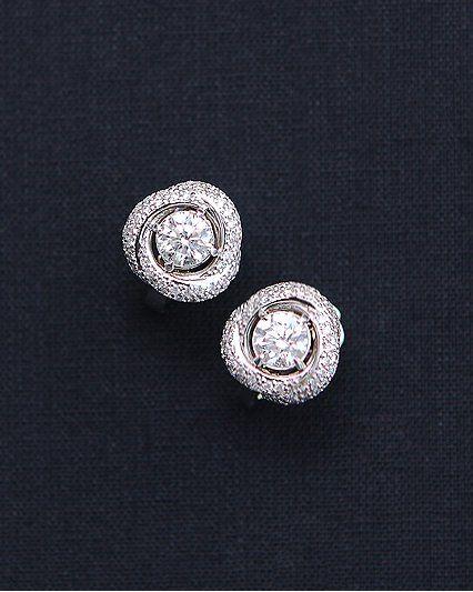Серьги с бриллиантами, роскошные, шикарные, с этими сережками Вы будете в центре внимания. Белое золото 750 пробы вес 7,5 грамм центральные бриллианты 0,51 2/3 и 0,5 2/3 и 144 бриллианта вес 0,9 карат  #серьгисбриллантаминазаказ #серьги #серьгиручнойработы #серьгисбриллиантами #серьгиназаказ #серьгинасвадьбу #серьгинавечер #серьгизолотые #серьгисизумрудами #серьгиссапфирами #сапфиры #изумруды #серьгисжемчугомназаказ #золотой #ювелирноеукрашение #ювелирныеукрашения #ювелирныеизделия…