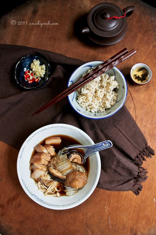 Smoky Wok: Bak Kut Teh - Chinese Herbal Broth with Pork Ribs 肉骨茶