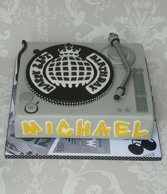 DJ mixing deck cake by The Designer Cake Company, via Flickr