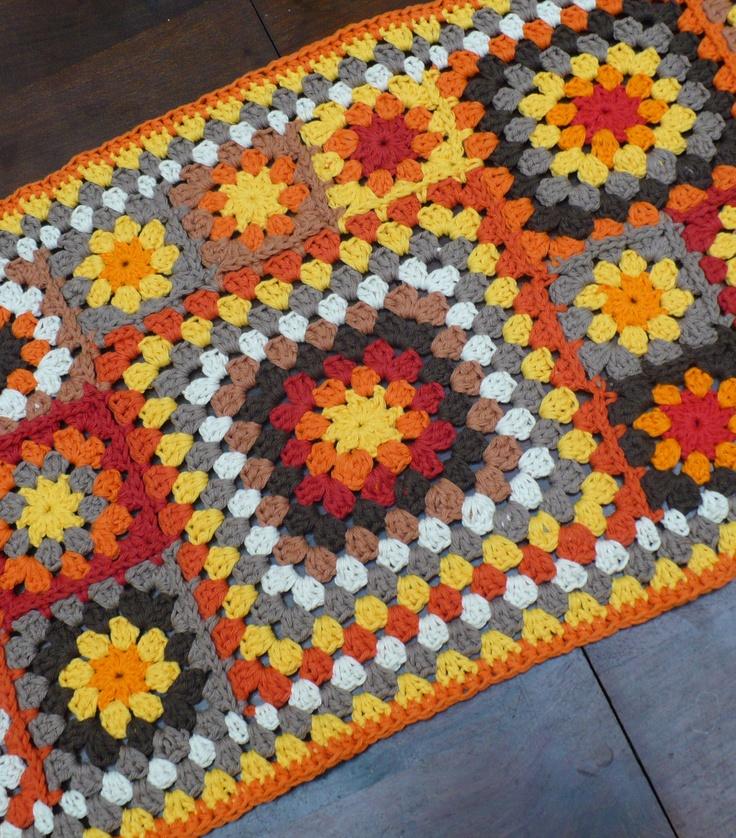 Pie de Cama tejido - Colores personalizados, $450 en http://ofeliafeliz.com.ar