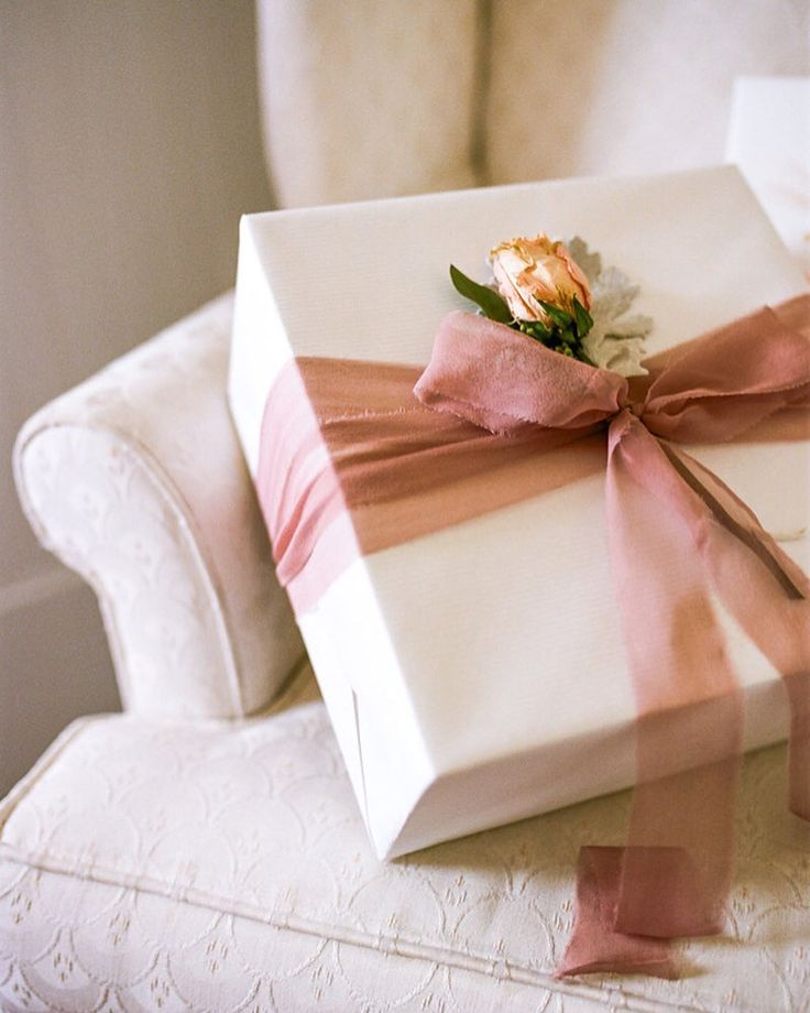 Custom Gift Design Gift Wrapping by