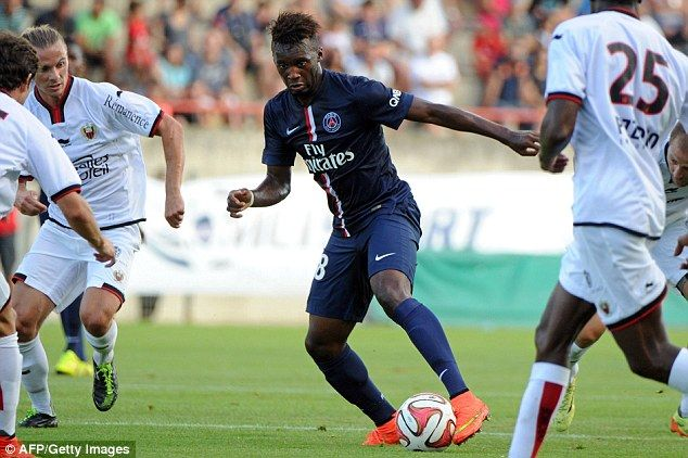 Jean Christophe Bahebeck controls the ball during the Ligue 1 friendly | Football Wallpapers