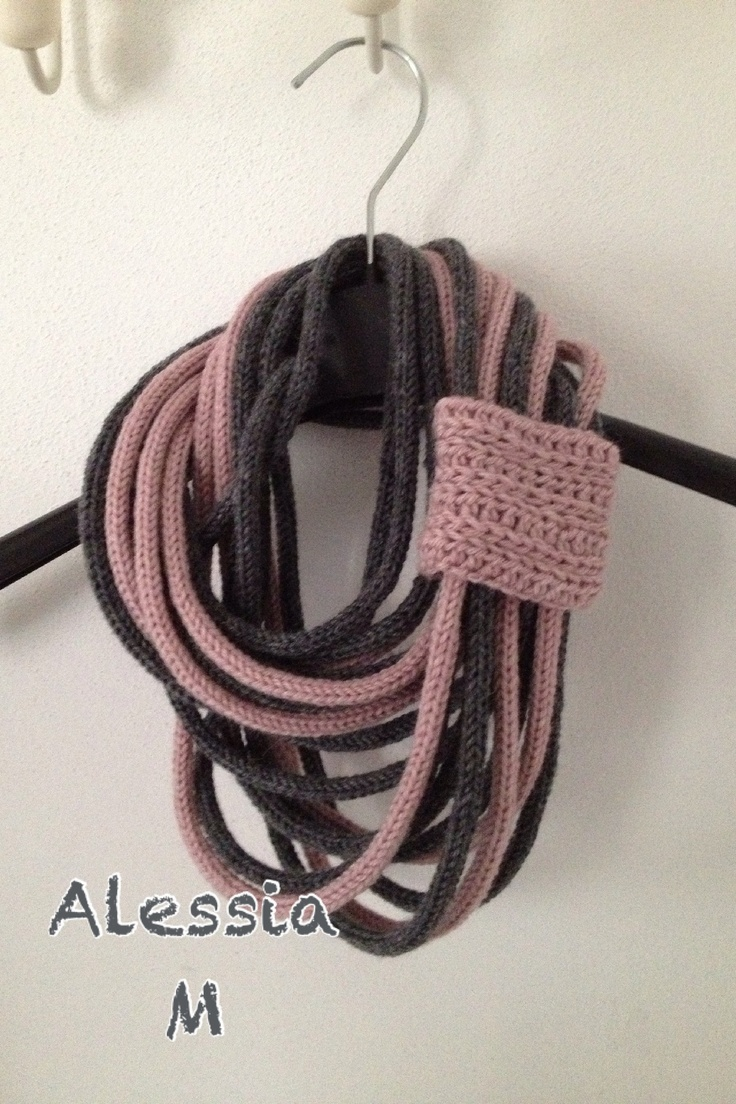 Easy icord chunky necklace. I like the idea of using 2 colors like they have here