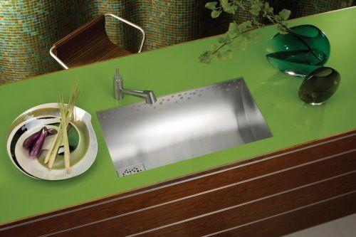 modische küchen spüle mit unterschrank grün oberfläche regen elkay