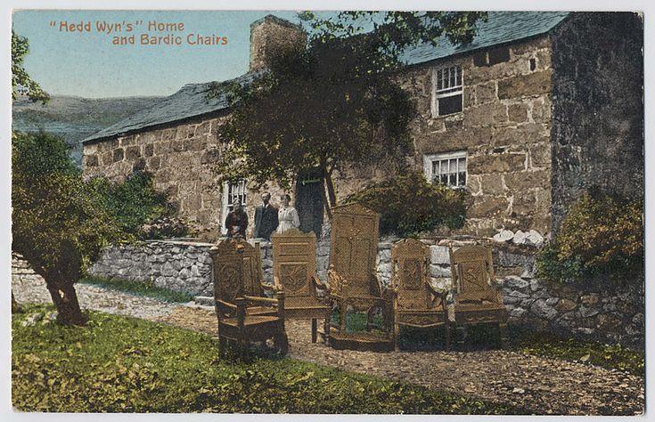 Yr Ysgwrn, cartref Hedd Wyn, a'i gadeiriau barddol / Yr Ysgwrn, home of Welsh Poet, Hedd Wyn, and his bardic chairs