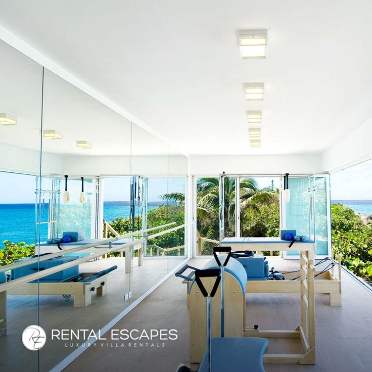 La Dacha is a luxurious home off of St. Martin's northern coastline. With 5 bedrooms, a glass-walled pilates room, rain showers and a curved infinity pool, this private home is the perfect way to relieve work stress and enjoy your vacation: http://bit.ly/2uiEnD0