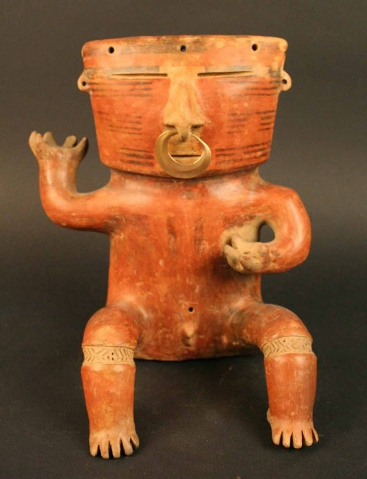 Figura antropomorfa masculina, cultura quimbaya. Materiales: Cerámica Periodo: Quimbaya 600- 1500 d.C.