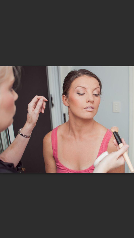 Airbrush highlighting and contouring wedding www.makeupandhairbyhannah.com