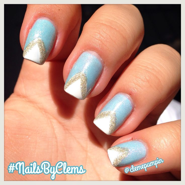 """A little late but here we have it! My entry for day 4 of #nailartnov by @californails  #geometric flaunting these #triangles over @maybellinechile """"Frozen Over""""  Hope You like it! #notd #nails #nailart #nailsdid #nailswag #nailporn #nailstyle #nailartwow #naildesign #nailartclub #nailstagram #nailartchile #nailartdaily #nailsbyclems #nails2inspire #nailartoohlala #uñas #unhas #unhasdasemana #maybelline #mny #colorshow #frozen #glam #chic"""