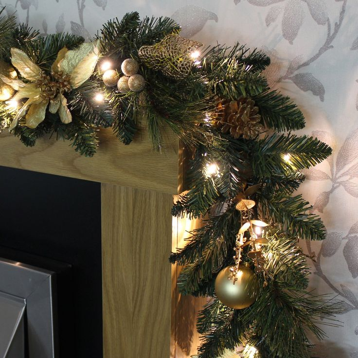 WeRChristmas 9 Ft Decorated Pre-Lit Garland Christmas