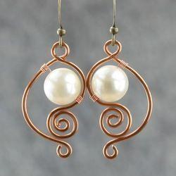 aretes de perla blanca hembra hecha a mano de latón manera del pendiente única joyería de bricolaje artesanal de alambre de cobre