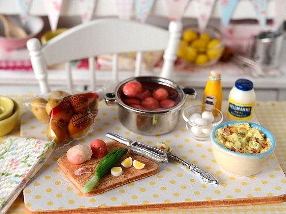 miniature making potato salad puppenhaus pinterest miniatur kartoffeln und salat. Black Bedroom Furniture Sets. Home Design Ideas