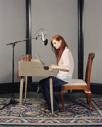 in. love. it's cool... #piano #AlisonSudol #AFineFrenzy