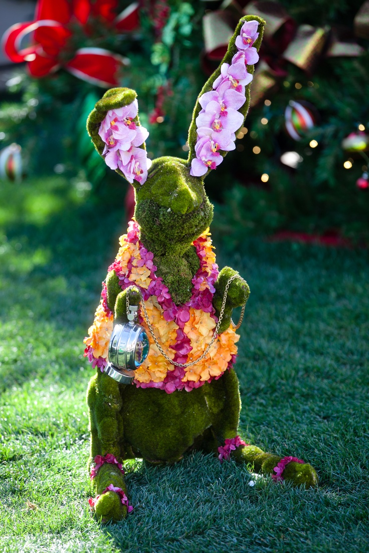 21 best images about alice in wonderland on pinterest - Alice in wonderland outdoor decorations ...