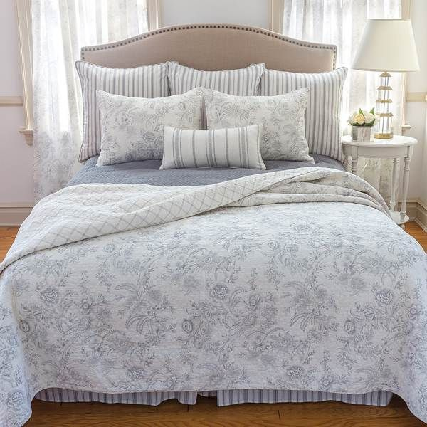 Shop Williamsburg Clementina Cement Quilt Bed Set - The Home Decorating Company