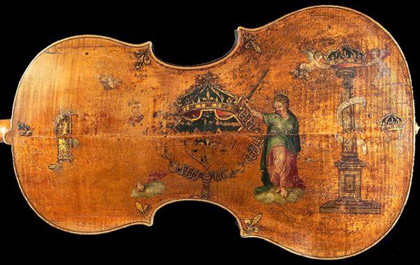 « Le Roi », le plus ancien violoncelle du monde, réalisé par le luthier italien Andrea Amati.