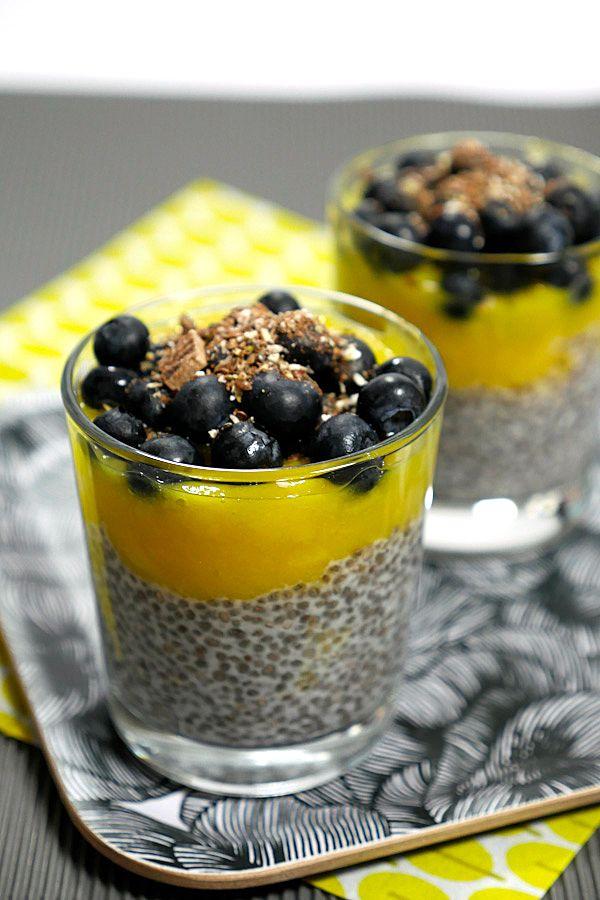 Rezept für Chiapudding mit Mango und Heidelbeeren - Gaumenfreundin.de Foodblog