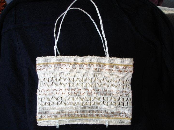 Karmen Thomson - a beautiful kete muka (fibre from harakeke / flax)