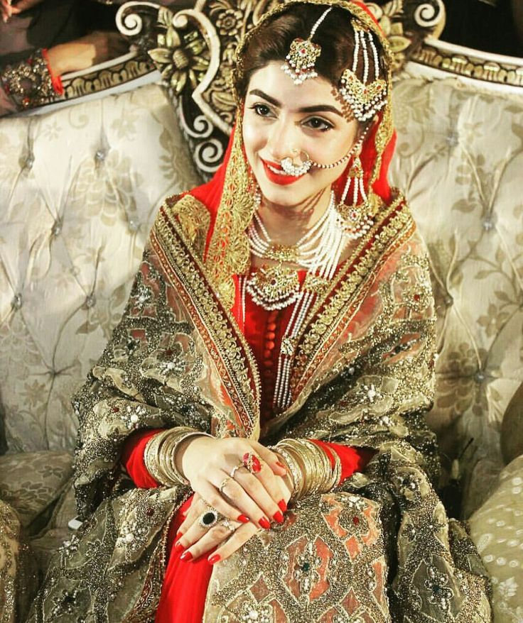 #Gorgeous #KinzaHashmi #BridalCouture #Drama #Shooting #HumUssiKayHein #Traditional #LuxuryFashion #Weddings #Unique #Inspiration #GoldShadesTrend #Trends2017 #Pakistan #PakistaniCouture #PakistaniFashion #PakistaniActresses #PakistaniCelebrities