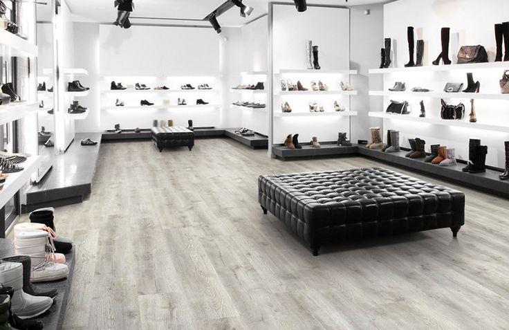 Rustic Grey Click pvc vloer. Bent u op zoek naar een warmgrijze vloer met rustieke uitstraling? Wellicht is de Rustic Grey iets voor u. Via de website kunt u 5 gratis samples opvragen.