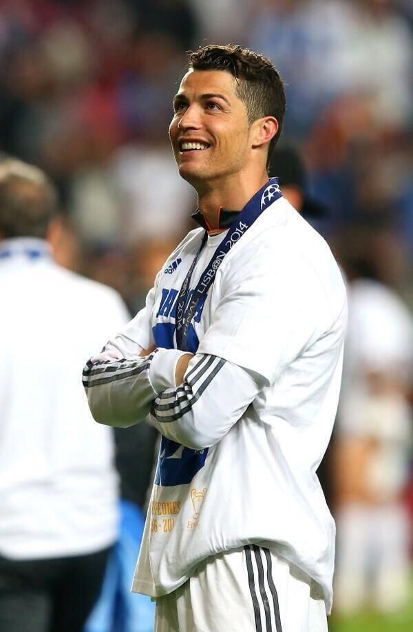Best Celebrity Hairstyles Images On Pinterest Beard Style - Cr7 new hairstyle 2014
