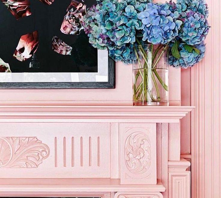 How some pretty pink paint can transform a traditional fireplace mantle...  .  .  .  .  #mmiinspiration #fireplace #fireplacemantel #fireplacedecor #prettyinpink #pinkpaint #hydrangeas #freshflowers #fireplacegoals #instapink #interiordesign #instafireplace #melaniemorrisinteriors @melaniemorrisinteriors