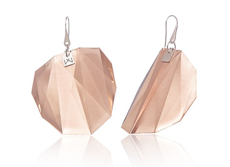 HENDECAGON-DIAGONAL-ROSEGOLD  Materials used: Hanger: 925 STERLING silver with rhodium flashing.   Pendant: 14 carat rose gold coating in 3 layers.   Satin finish surface with high gloss finish edges.  Gloss preserving, wear-proof, oxidation resistant and anti-allergenic.  Available in three sizes: with a diameter of 4, 5 and 6 cms.