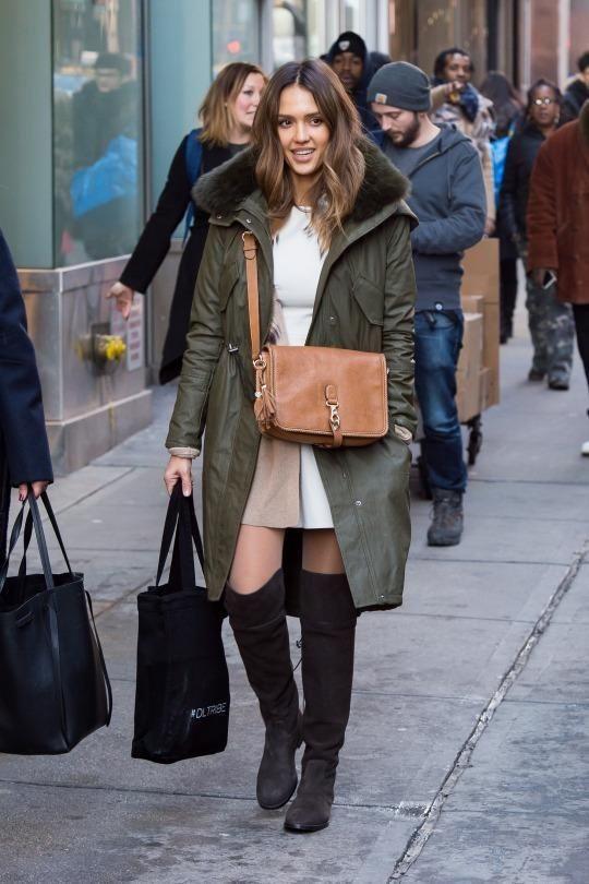 Jessica Alba New York City January 26, 2016   Star Style - Celebrity Fashion - Celebrity Fashion Trends