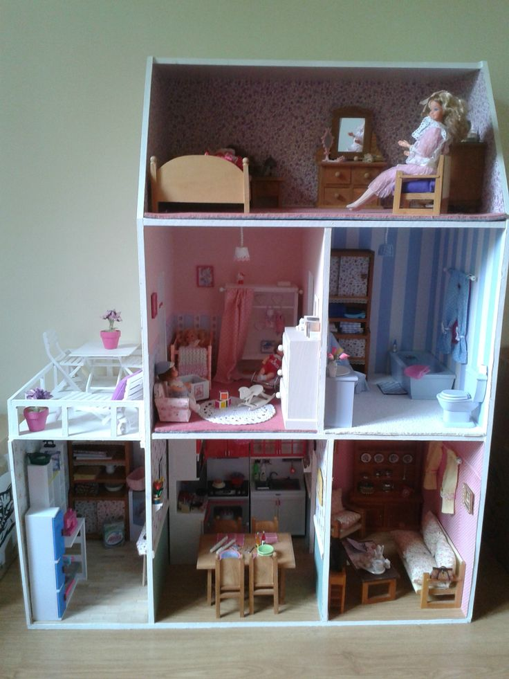 les 315 meilleures images propos de maisons de poup es sur pinterest maison de barbie. Black Bedroom Furniture Sets. Home Design Ideas
