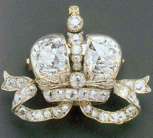 This diamond brooch was presented to Ella , Elisabeth of Russia in 1896, on the day of Nikolay II and her sister Alexandra's  coronation. This jewel was one of six brooches performed by Faberge by the order of Nikolay II to be given to Grand Duchesses. Nikolay II's mother and Alexandra were presented  the same brooches, though the sizes of their brooches were bigger. The price of such a brooch was much higher then the price of the famous Faberge eggs. Today this brooch is in the private…
