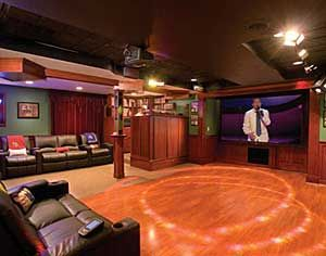 Basement Bar with Dance floor and Stage | Home Ideas ...