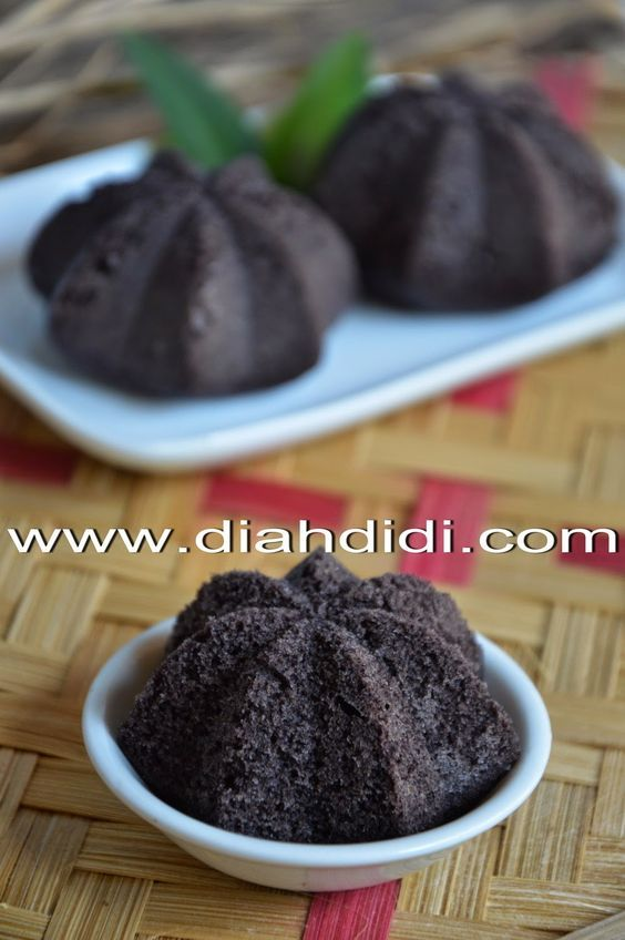 Diah Didi's Kitchen: Bolu Kukus Sakura Ketan Hitam Irit Telur