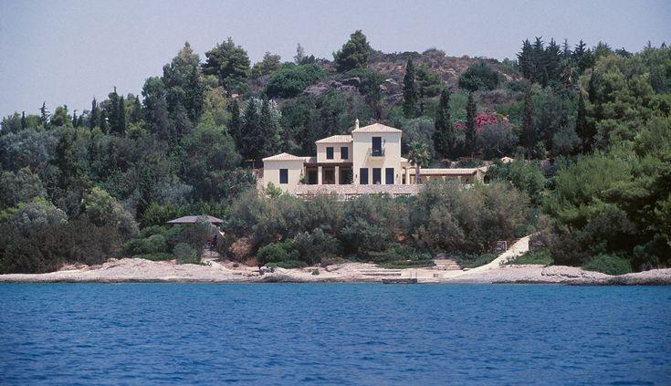 Villa in Porto Heli : Private Residences Projects : Porphyrios Associates