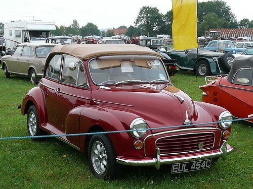 Vintage Car - Morris Minor 1000 [ EUL 454C] 110804 Pickering