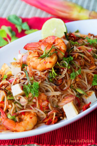 Malaysian Kerabu Beehoon (Rice Noodle Salad) | Healthy Malaysian Food Blog & Food Recipes