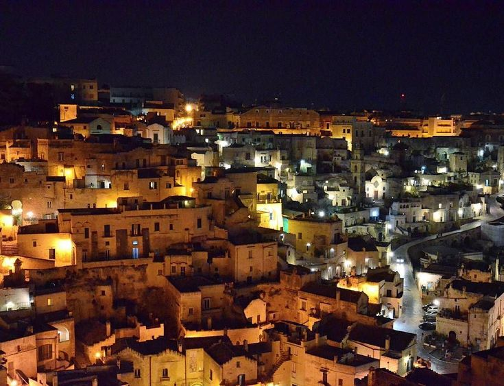 How's this for a beautiful view? It's the ancient cave city of Matera which is located in Basilicata and is one of the oldest inhabited cities in the world. Due to its ancient architecture it has been used in several notable Hollywood films including Catherine Hardwick's The Nativity Story (2006) Mel Gibson's The Passion of the Christ (2004) and the coming DC Comics superhero film Patty Jenkin's Wonder Woman (2017). photo credit: @tecno_fabio74  Did you experience Basilicata with Nonna Box?…
