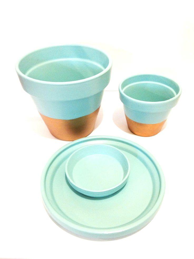 Mes pots décorés VERSAILLES / pots de fleurs / pots décoratifs vert d'eau et or par SophieLDesign : Accessoires de maison par saucisse