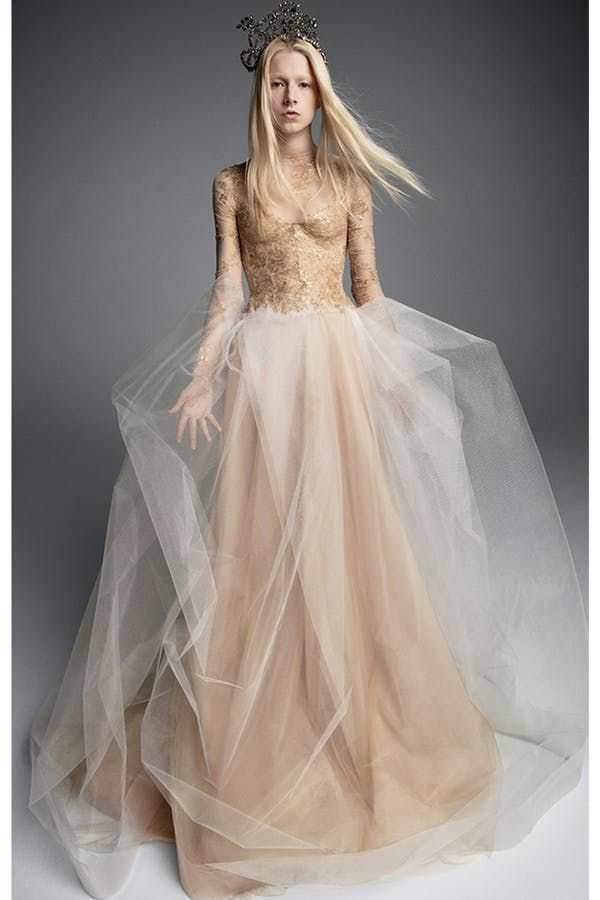 Move Over Ivory Champagne Is The Wedding Dress Color Of 2019 Vera Wang Bridal Bridal Dresses Wedding Dress Long Sleeve