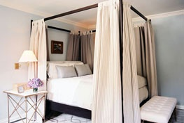 Posters Beds, Canopy Beds, Dreams Beds, Bedrooms Photos, Dreams House, Interiors Design, Bedside Tables, Canopies Beds, Lonny Magazine