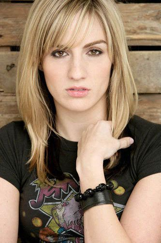 Alison Haislip is a testament to how funny female comedians are. I heart her.