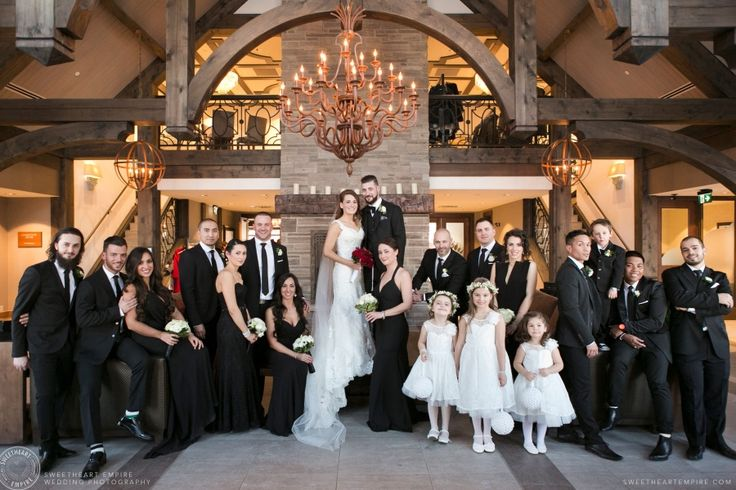Large bridal party (twenty person wedding party) with bridesmaids in black, Whistle Bear Wedding #sweetheartempirephotography