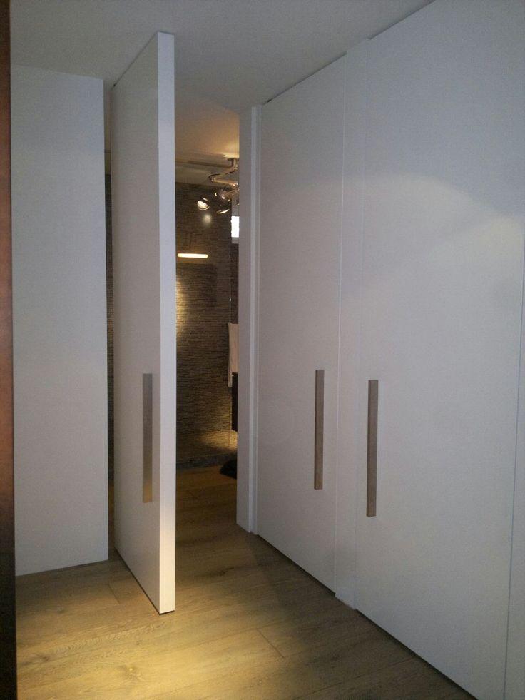 Taatsdeur met strakke RVS greep - made by Frank van den Boomen Deuren www.frankvandenboomen.nl