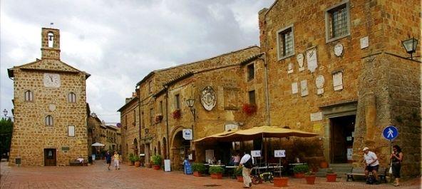 Sovana borgo medievale nella Maremma Toscana