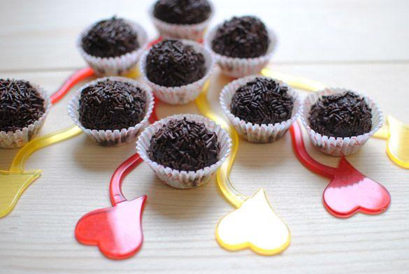 Trufas de chocolate #sinlactosa, también son #sin gluten, las hicimos para San Valentín, uno de sus ingredientes es almendra molida.