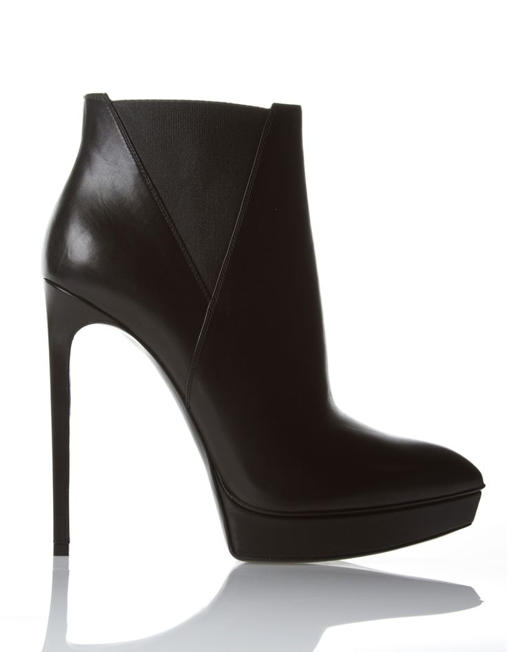 "YVES SAINT LAURENT Très chics les ""booties""!!!!"